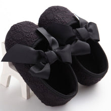 black Spring/Autumn cute toddler girls leisure walker soft cotton shoes and cute bow.