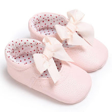 pink Beautiful girls bowknot princess slipper soft shoes.