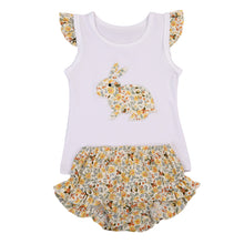 Beautiful girls 2 piece clothing set including gorgeous rabbit print top with capped sleeves and matching floral bloomers.