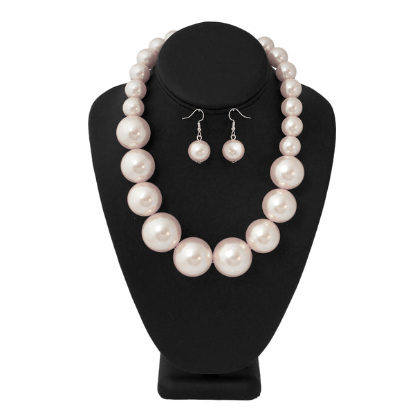 White Graduated Pearl Necklace Set