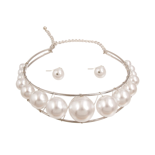 Graduated White Pearl Choker Set