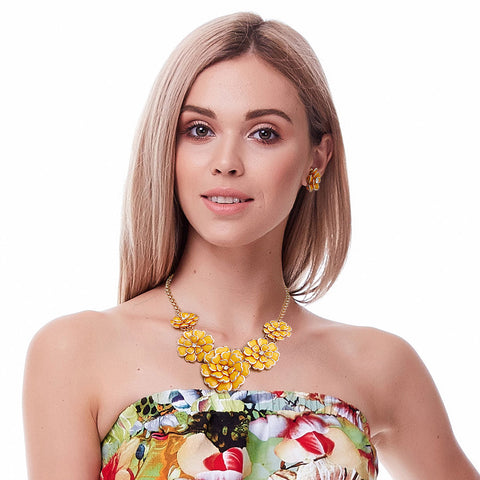 Mustard Gold Trim Flower Necklace