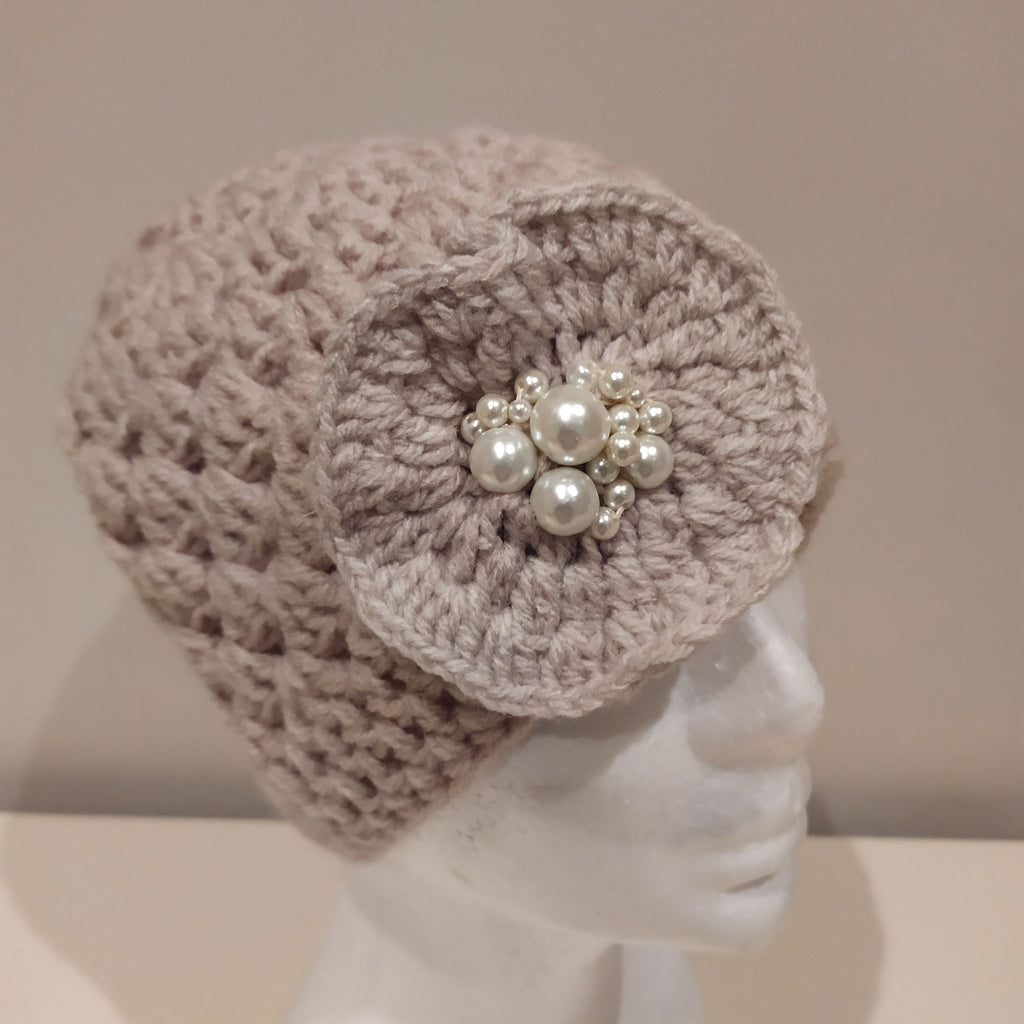 Oyster Coloured hat with flower