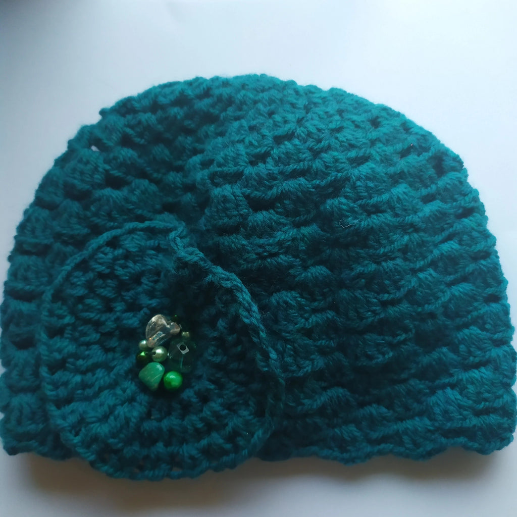 Emerald hat with beads - M