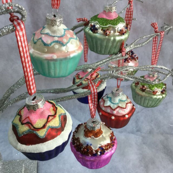 Cupcake Sparkle Bauble
