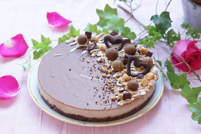 London only - Large Chocolate & Peanut Cheezecake