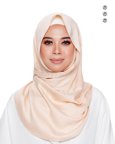 Ratu Snoodie In Cream Pink