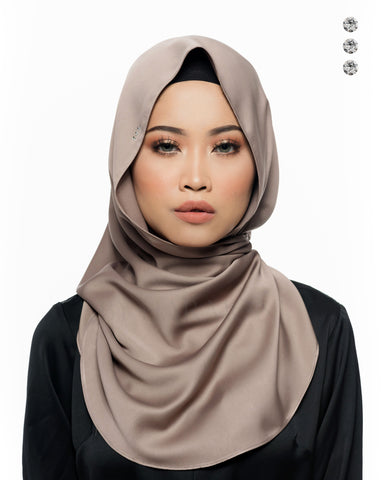 Putri Semi-Instant Shawl In Glamorous Stripes