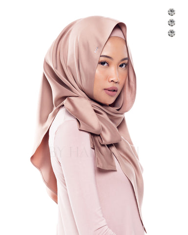 Anggun Semi-Instant Shawl In Coral Abstract
