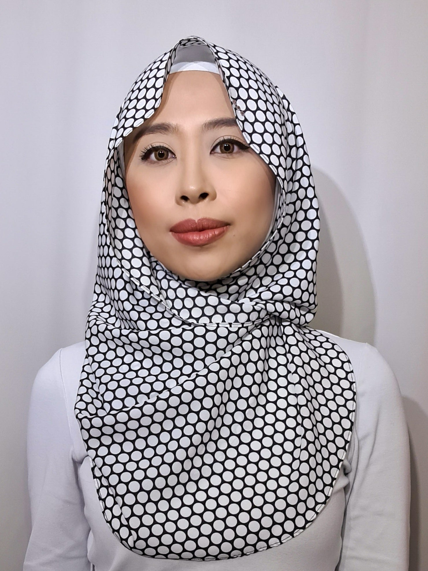 Baby Bidadari Snoodie In Mini Mono Dots