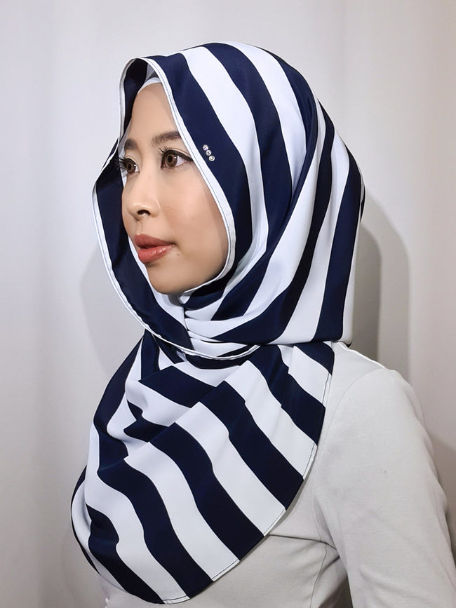Baby Bidadari Snoodie In Vertical Navy Stripes