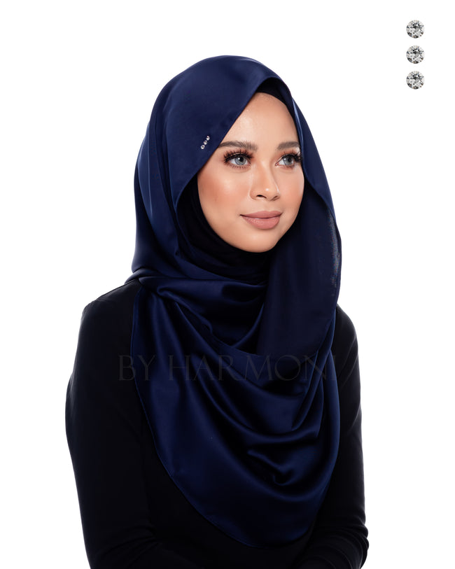 Bidadari Snoodie In Navy