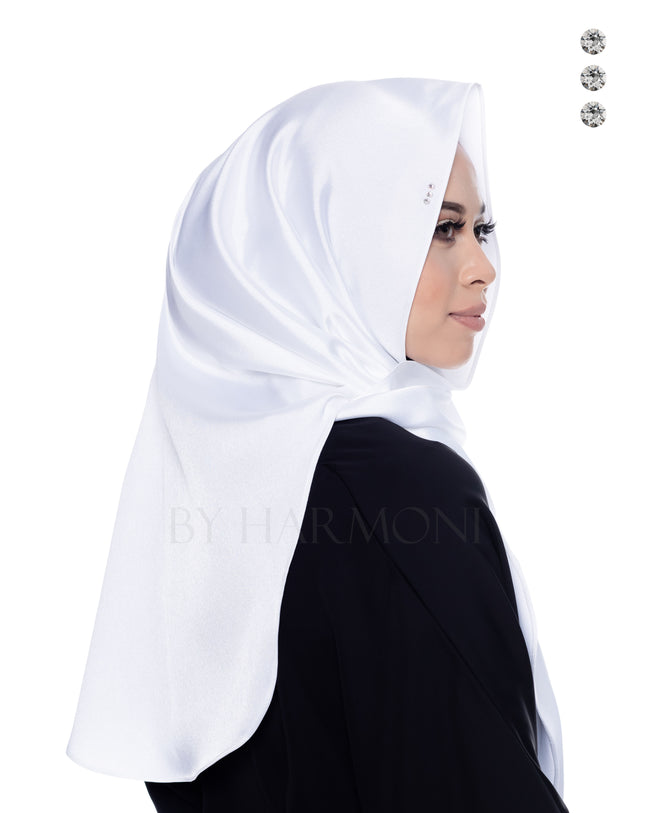 Bidadari Shawl In Galactic White