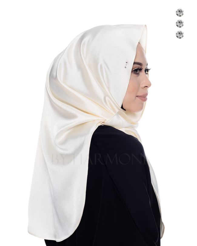 Bidadari Shawl In Galactic Cream