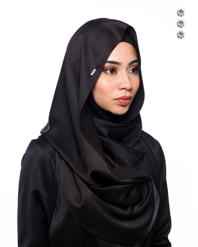 Bidadari Snoodie In Black