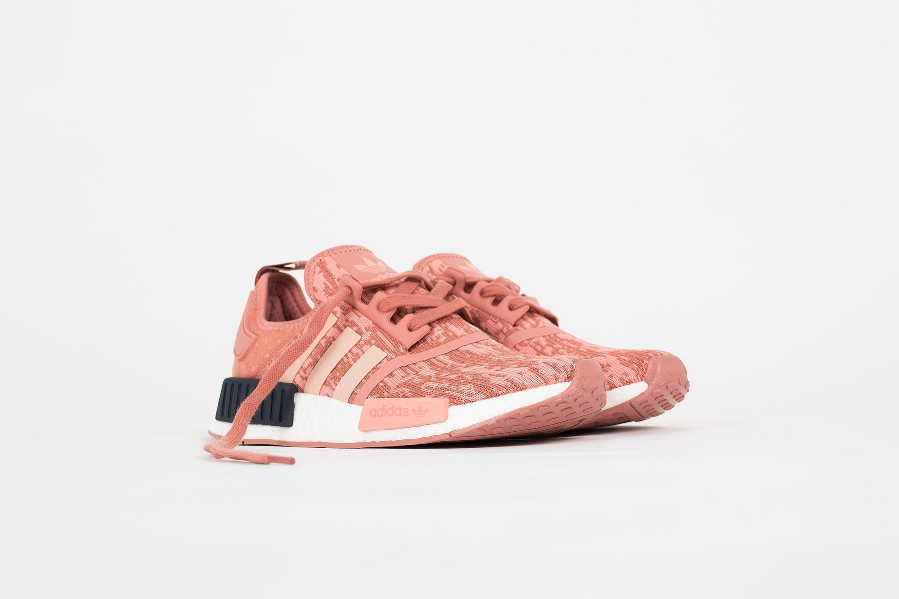 new style ea1f7 2069d NMD R1 Raw Pink