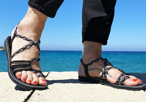 Woven Black Flat Sandals for Women-edocollection