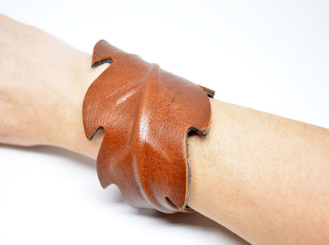 Women's Leather Cuff Bracelet Tan - edocollection
