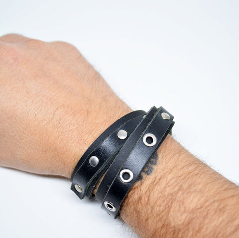 Men's Leather Wrap Studded Bracelet Black - edocollection