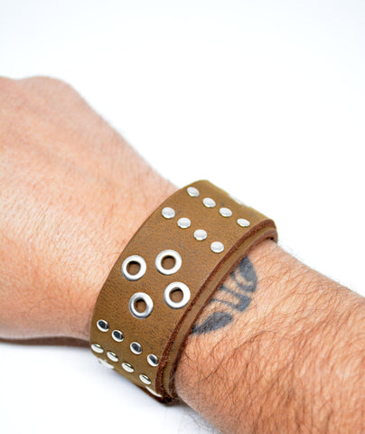 Men's Tan Studded Leather Bracelet - edocollection
