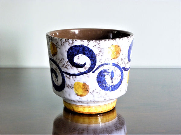 Marei planter, white with blue and yellow Arabic style decoration