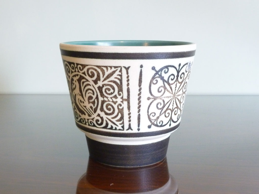 Marei planter, traditional black and white pattern with cockerel