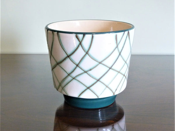 Marei planter, white with turquoise line decoration