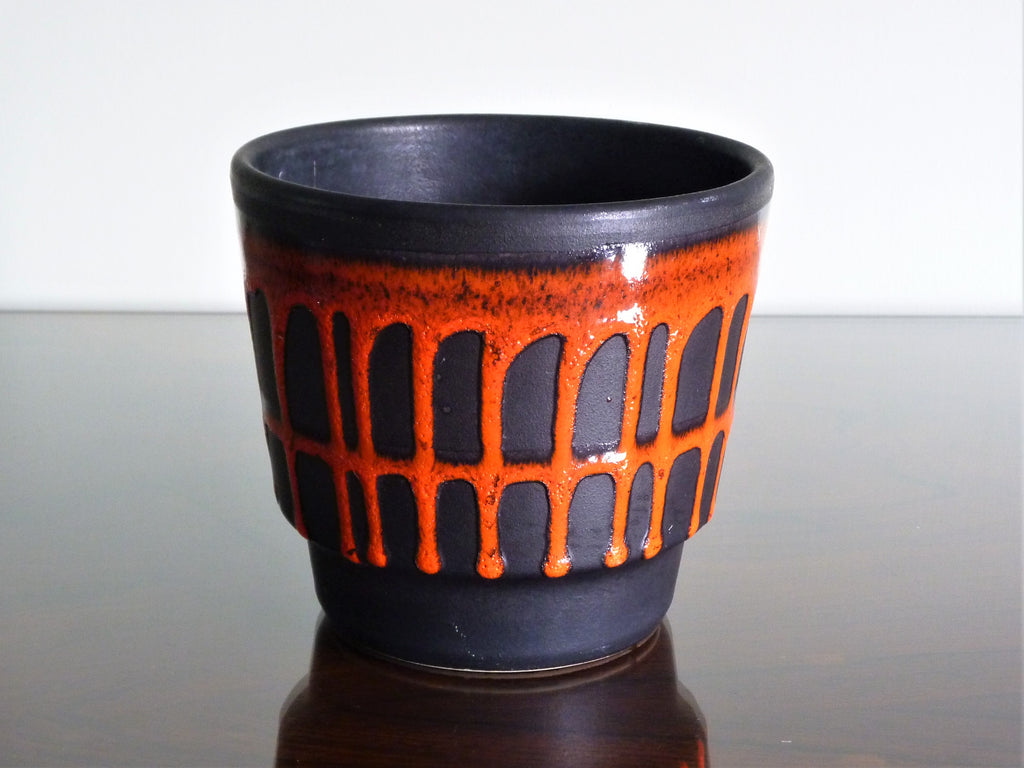 Fohr planter, black with red drip glaze