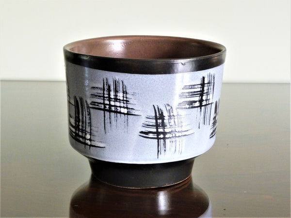 Strehla planter, lilac and black Japanese style decoration