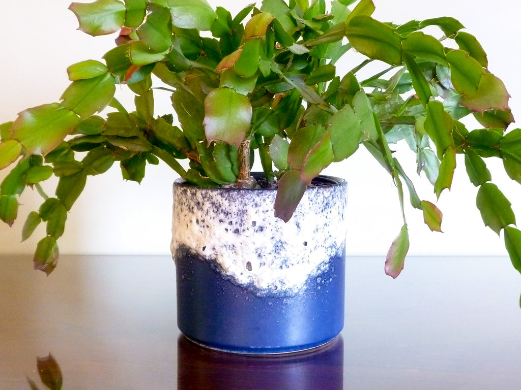 Vintage Dumler & Breiden indoor plant pot, navy cyclinder with white lava glaze