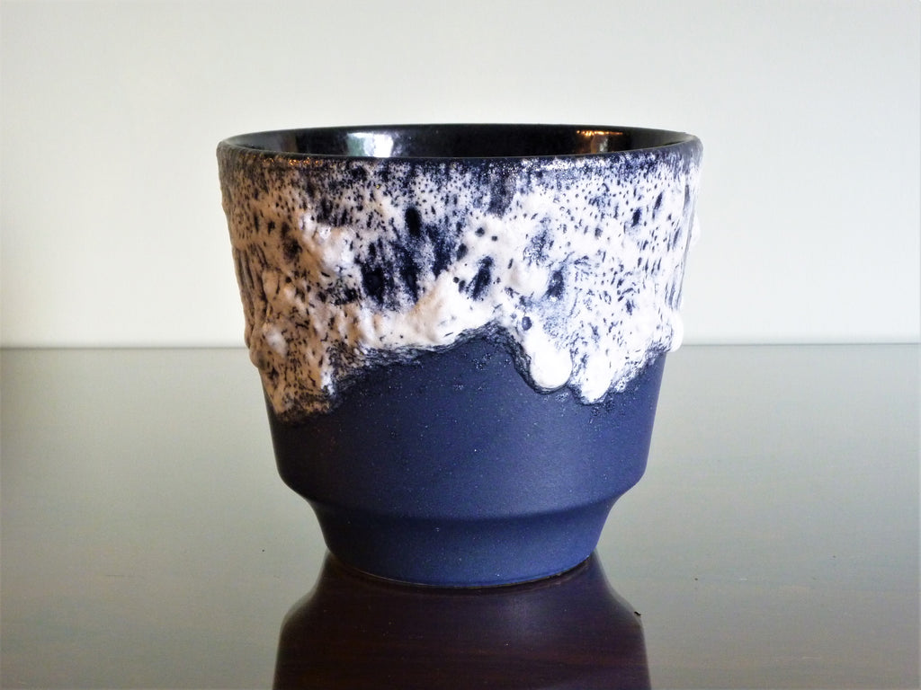 Dumler & Breiden planter, navy with white lava glaze