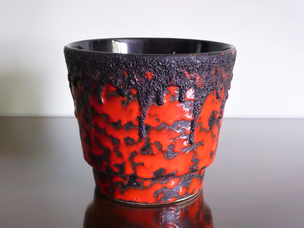 Fohr planter, red and black lava glaze