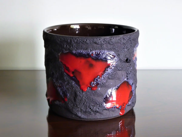Marei planter, black lava with red glaze