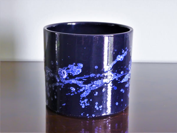 Marei planter, blue and white splatter decoration
