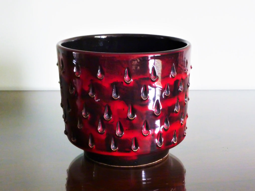Fratelli Fanciullacci planter with red and black strawberry decoration