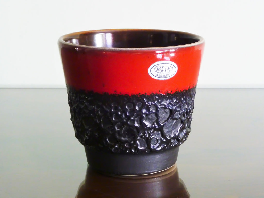 Jopeko planter, red with black lava
