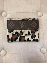 Louis Vuitton Itty Bitty Wallet