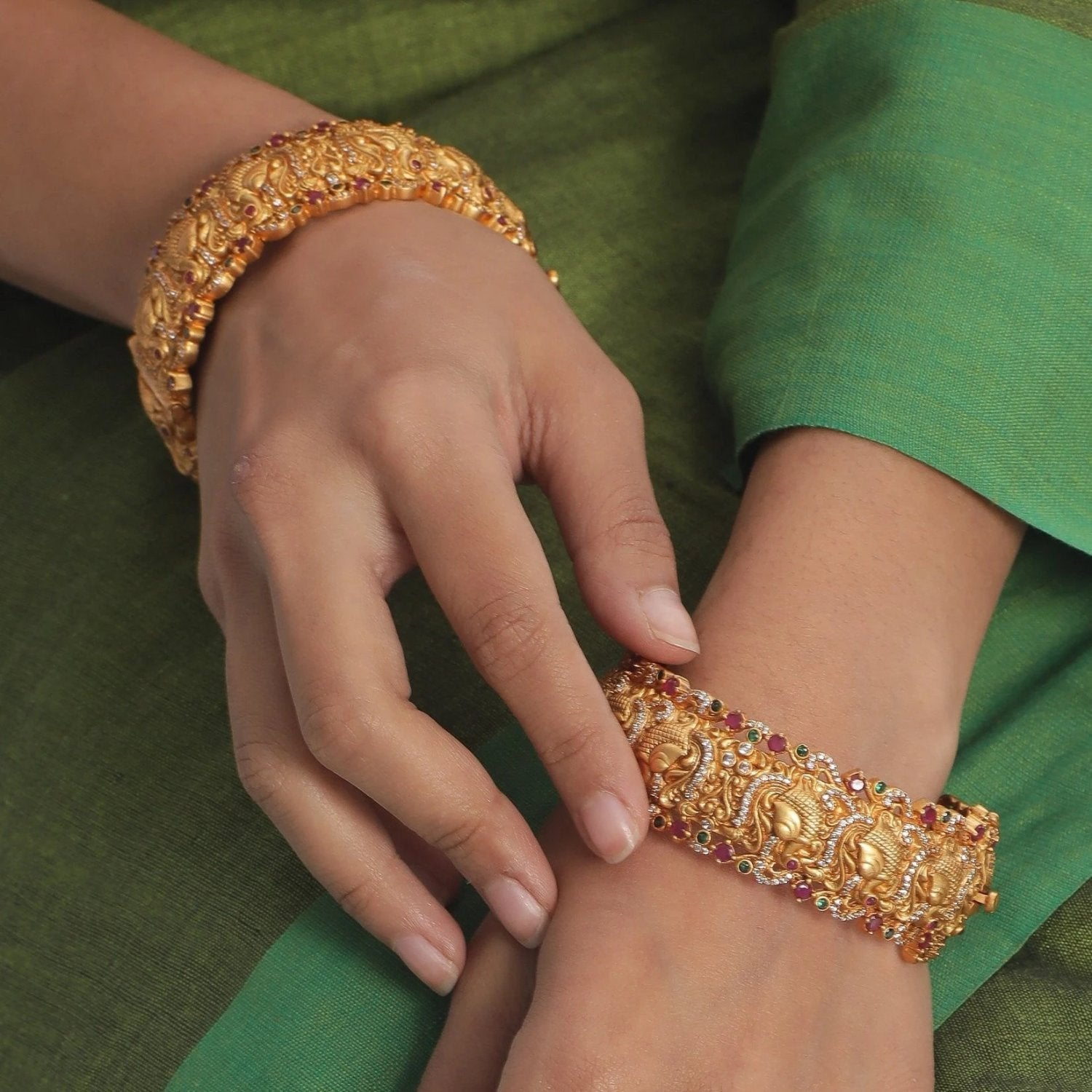 Arha Antique Bangles
