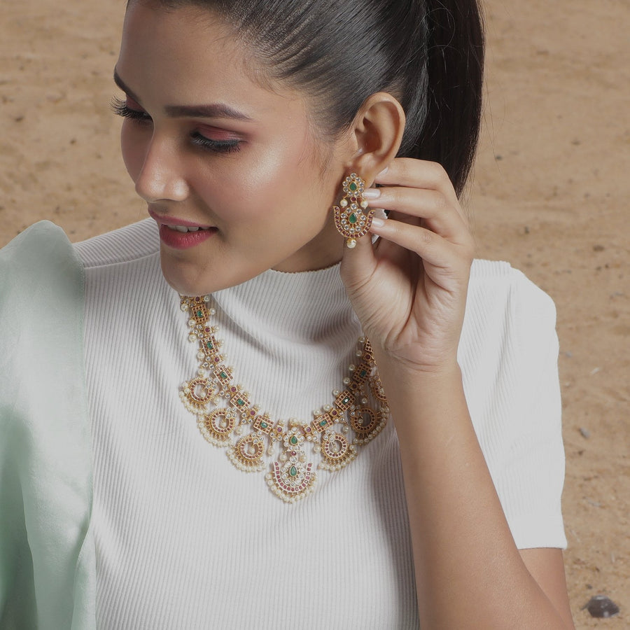 Aamya Necklace Set