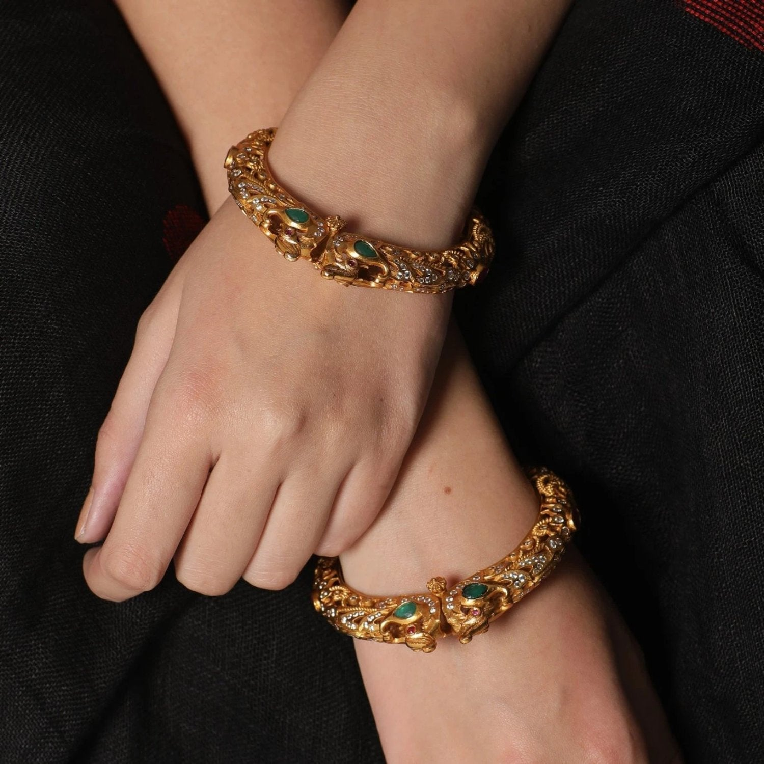 Tuhi Antique Bangles