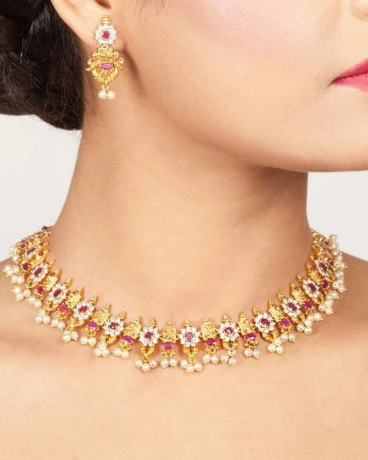 Tanmay Necklace Set