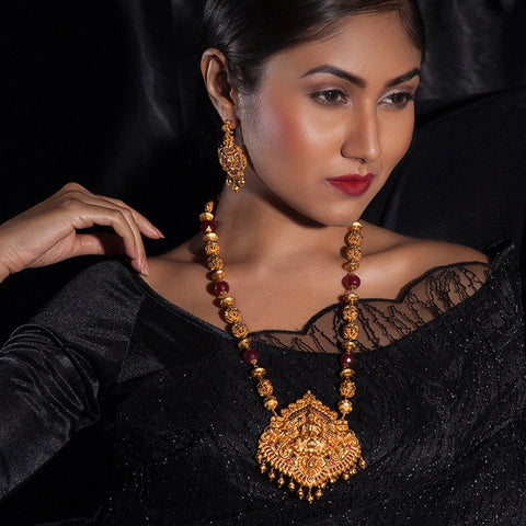 Ishani Long Necklace Set