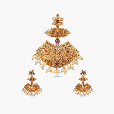 Urr Antique Pendant Set