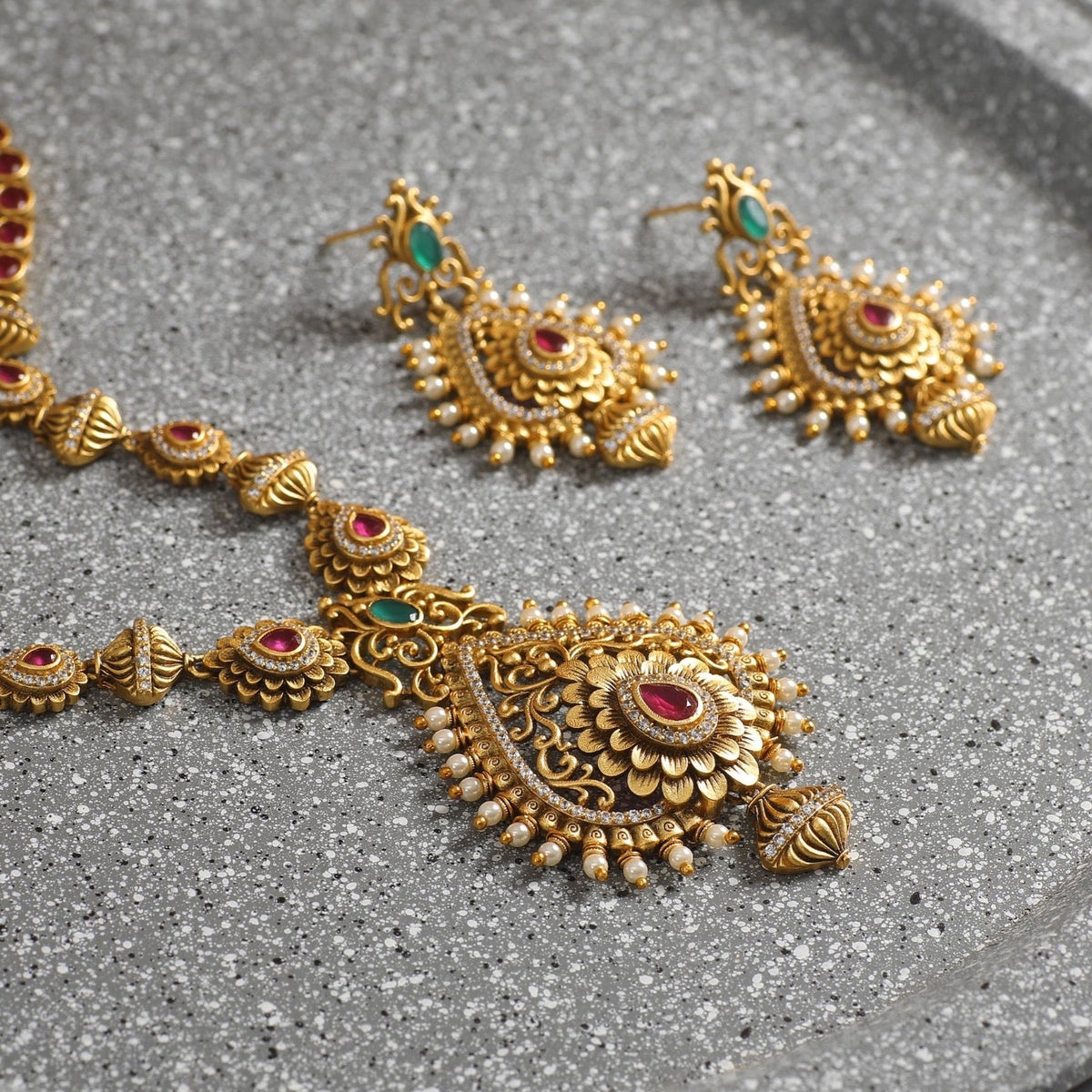 Medha Antique Necklace Set