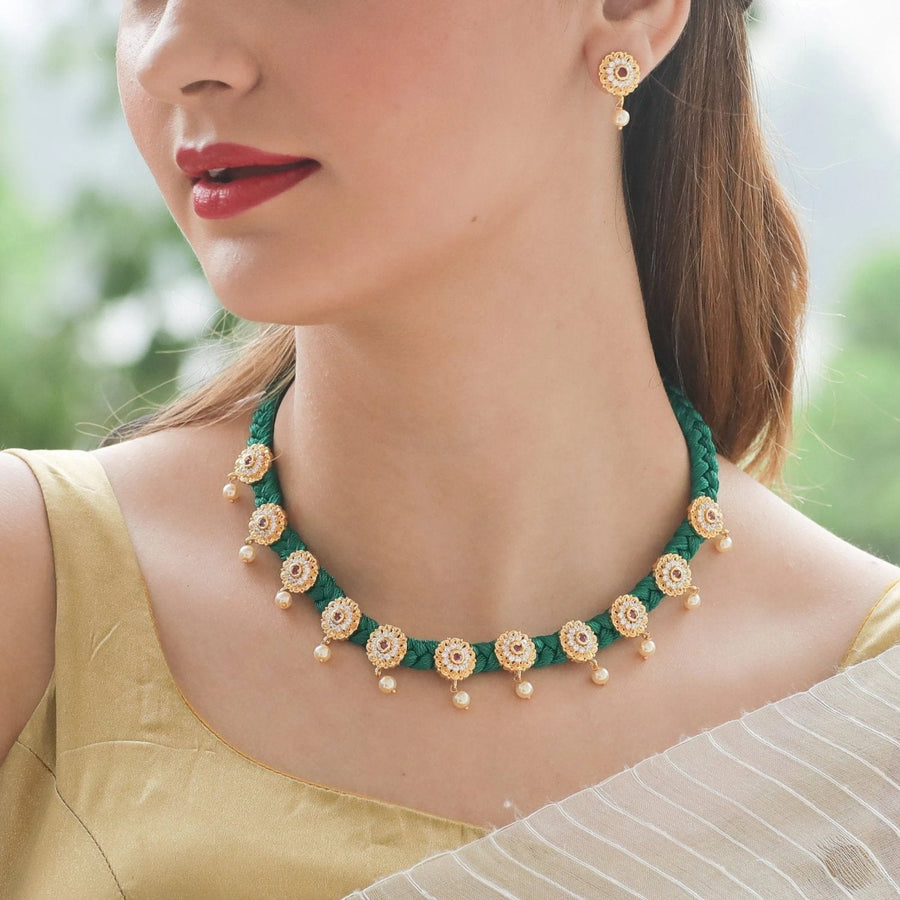 Smriti Necklace Set