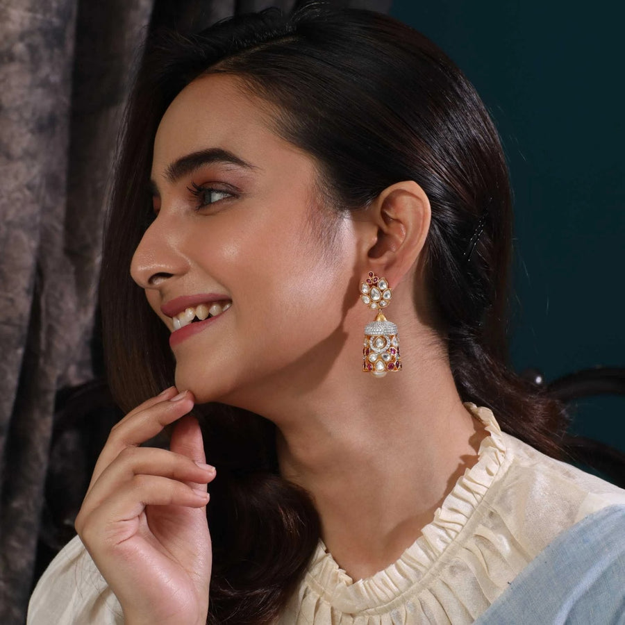 Aura Kundan Earrings
