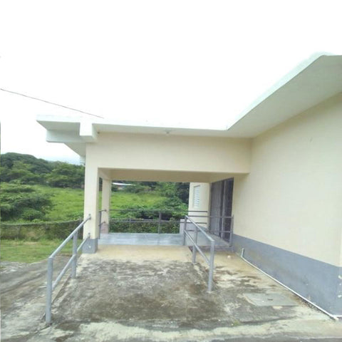 White hall Health Centre  ( Sponsored by Yum Chop & FDM Ministries )