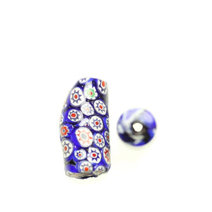 Azul y blanco brillante italiano Murano Millefiori Glass fabricado en India a mano 15x34mm