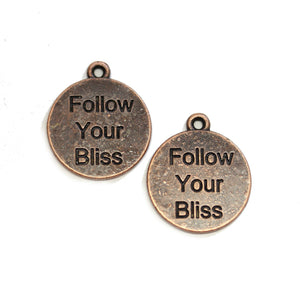 "Charm de lentejas de 20 mm ""Follow Your Bliss"" en tono cobre - 2 piezas de Halcraft Collection"