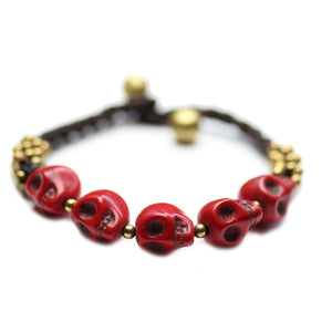 Pulsera de piedra con calaveras de Halcraft Collection